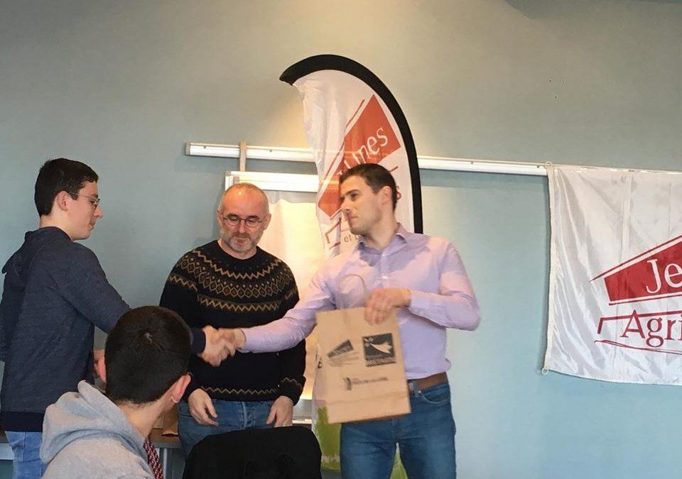 MFR-CFA Chemillé : Remise de récompense pour Kévin.