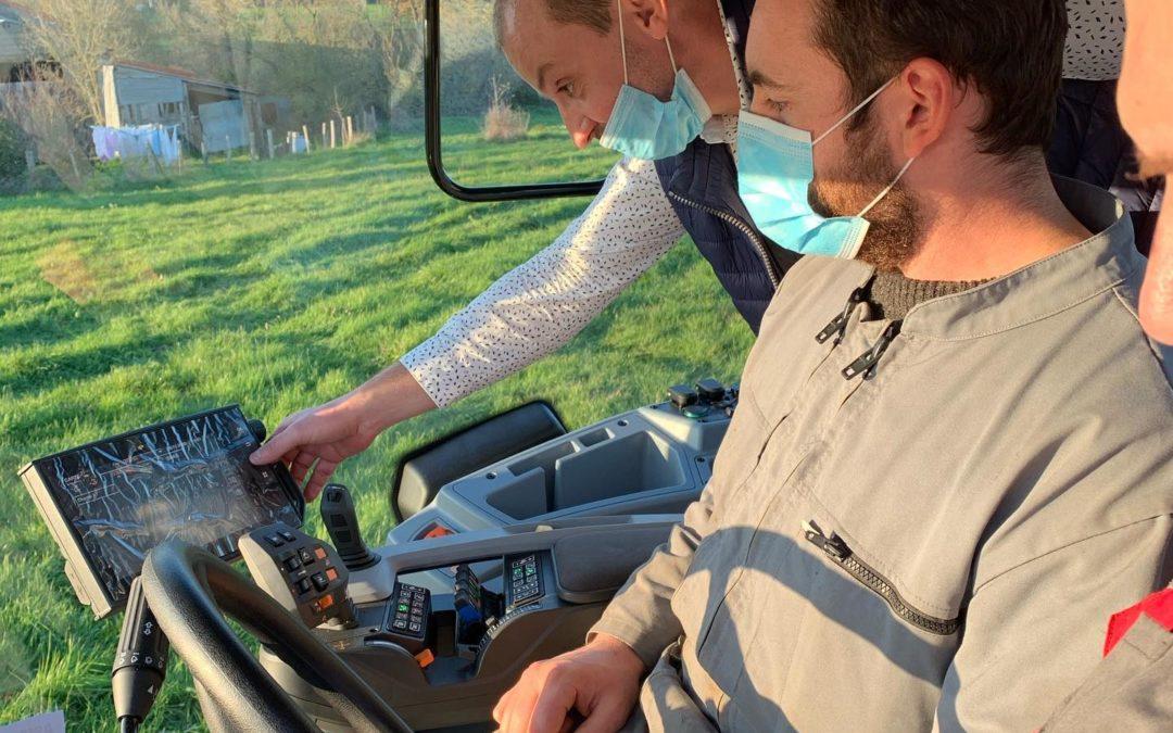 MFR-CFA CHEMILLE : Intervention VALTRA sur les systèmes embarqués GPS