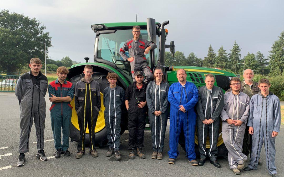 MFR-CFA Chemillé : Les CQP conducteur d'engins agricoles font leur rentrée !